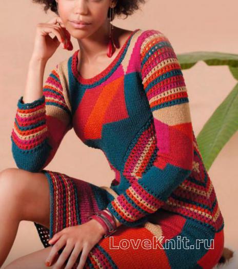 Как связать спицами цветное платье до колена прямого фасона