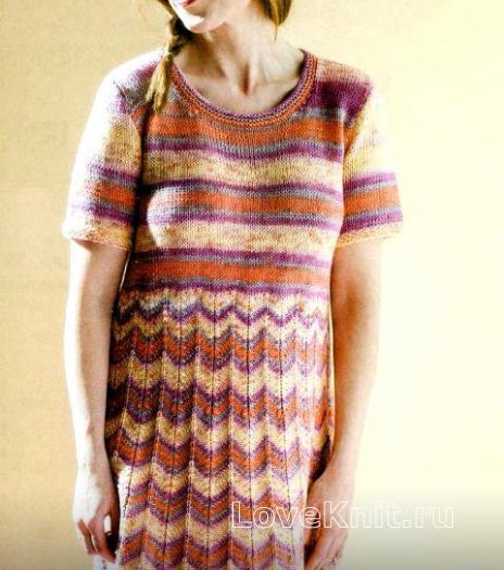 Как связать спицами меланжевое платье с полосатым узором