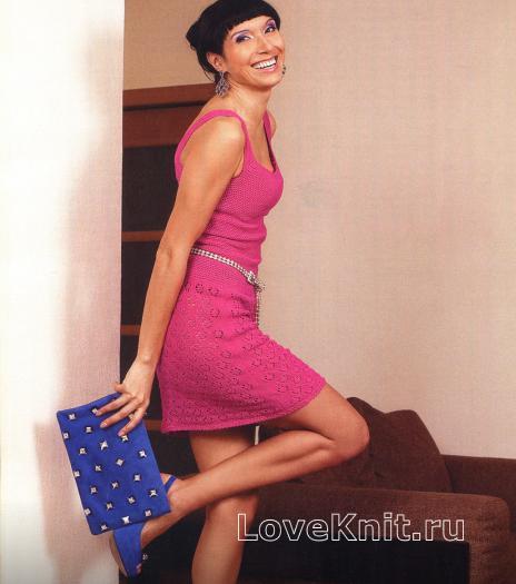 Как связать спицами розовое платье