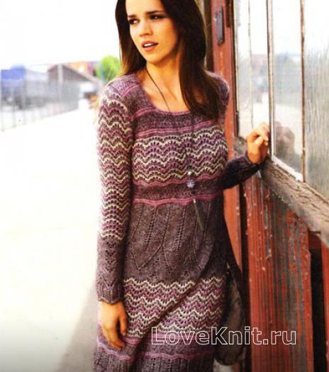 Как связать спицами теплое платье с узором