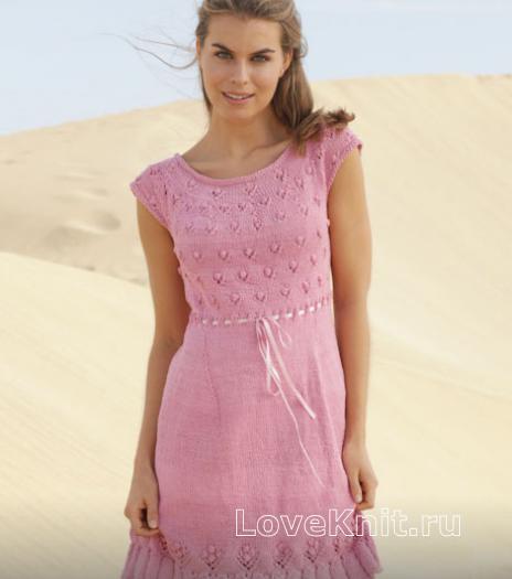 Как связать спицами узорчатое платье с коротким рукавом