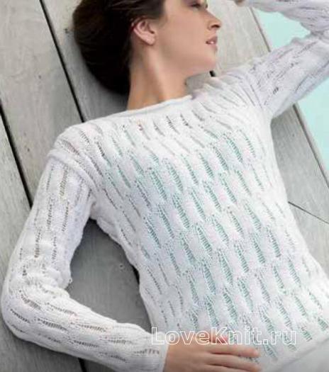 Как связать спицами белый джемпер с ажурным узором