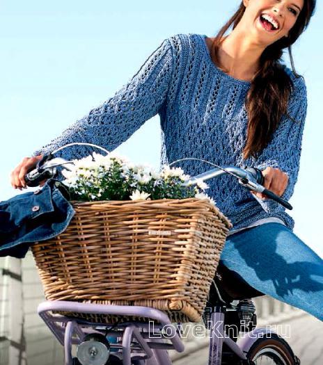 Как связать спицами синий узорчатый пуловер