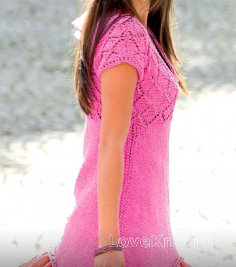 Как связать спицами удлиненное платье  с боковыми заострениями
