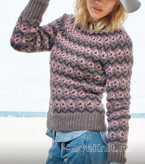 Как связать спицами утепленный цветной свитер с рисунком