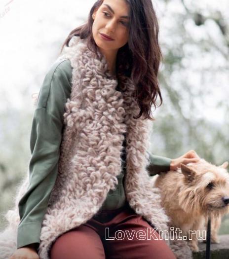 Как связать спицами длинный объемный меховой жилет