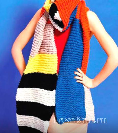 Как связать спицами длинный цветной шарф в технике интрасия
