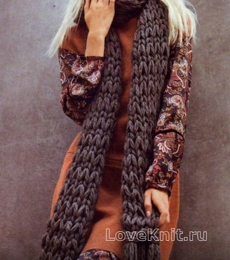 Как связать спицами длинный серый шарф с кистями