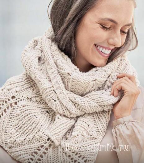 Как связать спицами треугольный платок с шишечками и цветами