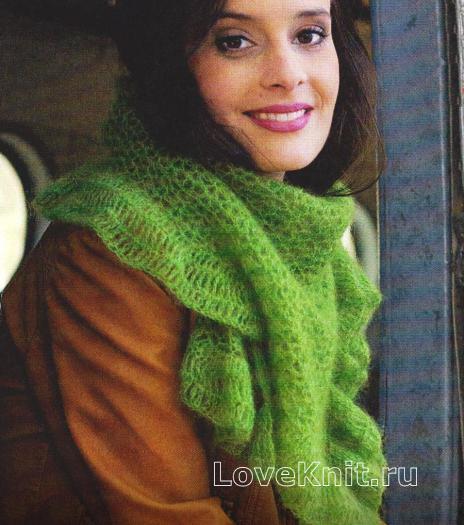 Как связать спицами яркий шарф с каймой