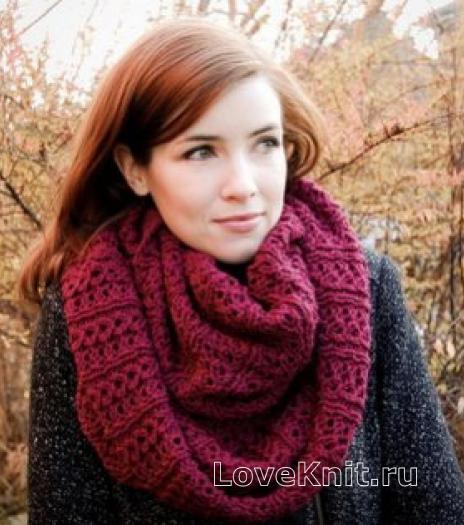 Как связать спицами женский объемный шарф-хомут