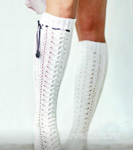 Как связать спицами белый ажурные гольфы со шнурками
