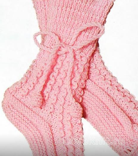 Как связать спицами носки с волнистой резинкой и завязками