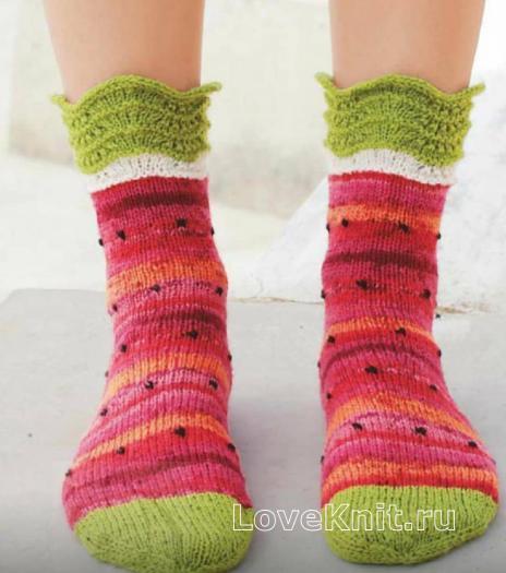 Как связать спицами разноцветные носки «арбуз»