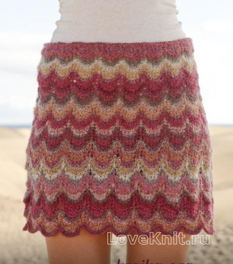 Как связать спицами укороченная юбка с цветным узором