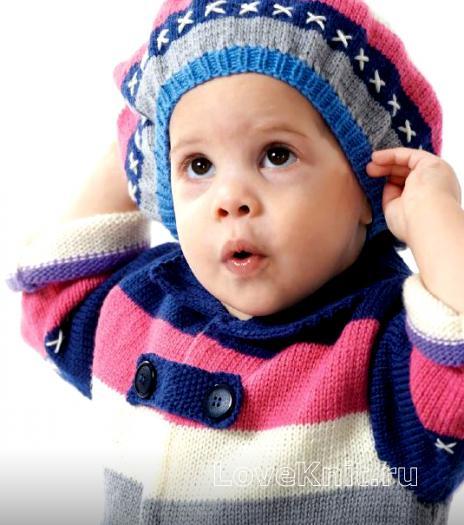 Как связать спицами полосатый беретик и пальто для девочки