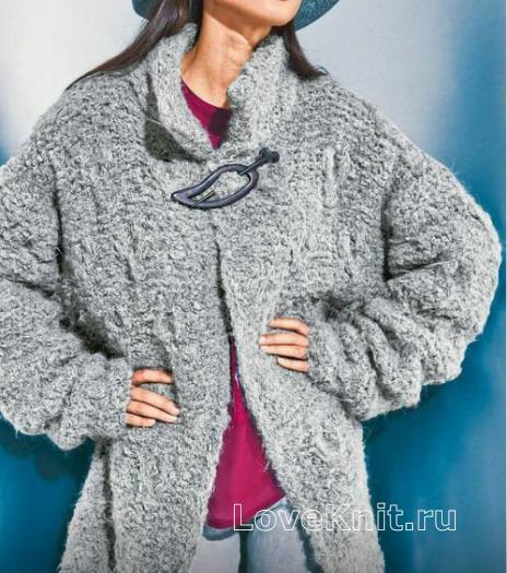 Как связать спицами удлиненное пальто оверсайз с воротником-стойкой