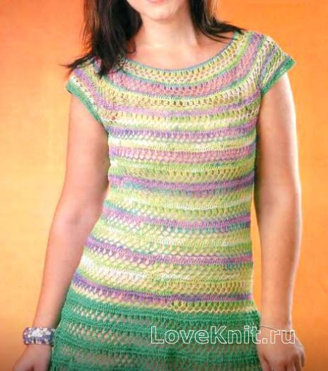Как связать крючком цветное полосатое платье с коротким рукавом