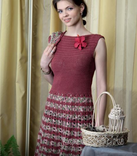 Как связать крючком платье с полосатой юбкой