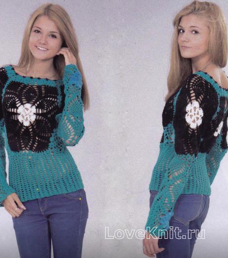Как связать крючком голубой пуловер с черными вставками