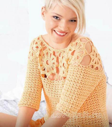 Как связать крючком персиковый пуловер с цветами