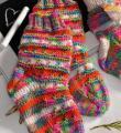 яркие носки для малыша с контрастными полосками  фото к описанию