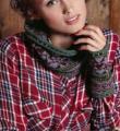 Спицами цветной шарф и митенки с жаккардовым узором фото к описанию