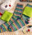 Спицами разноцветные полосатые носочки с гетрами фото к описанию