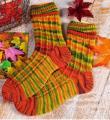 Спицами жаккардовые носочки с патентными петлями фото к описанию