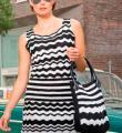 Крючком полосатое платье в черно-белой гамме фото к описанию