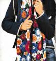 Крючком цветной шарф с цветочным узором фото к описанию