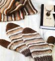 Как связать крючком мужской шарф и шапочка с варежками в полоску