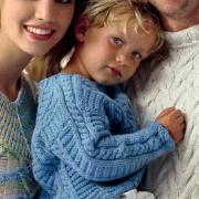 Как связать  детская кофта с рельефным узором