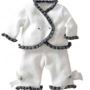 Как связать  костюм для малыша из штанов и жакета с рюшами