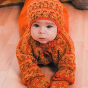 Как связать  оранжевый детский костюм