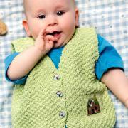 Как связать  жилет для малыша с аппликацией