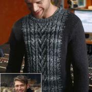 Как связать для мужчин двухцветный джемпер с косами и шарф