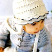 Как связать  детская шапка на завязках с оборками