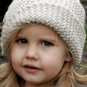 Как связать  детская шляпка с косым отворотом и пуговицами