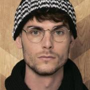 Как связать для мужчин мужская шапка с контрастным узором