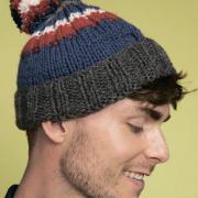 Как связать для мужчин шапка с трехцветным помпоном и отворотом