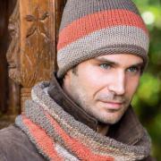 Как связать для мужчин трехцветная мужская шапка-колпак и снуд