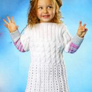 Как связать  белое платье для девочки с косами