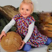 Как связать  цветное детское платье с  коротким рукавом