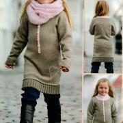 Как связать  детское платье с сердечком
