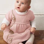 Как связать  детское платье с закругленным воротником