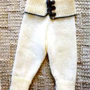 Как связать  штанишки для ребенка с широким поясом