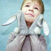 Как связать  детские варежки «зайчики»
