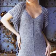Как связать спицами асимметричное платье с оригинальными рукавами