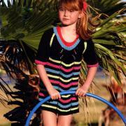 Как связать спицами детское платье в полосочку